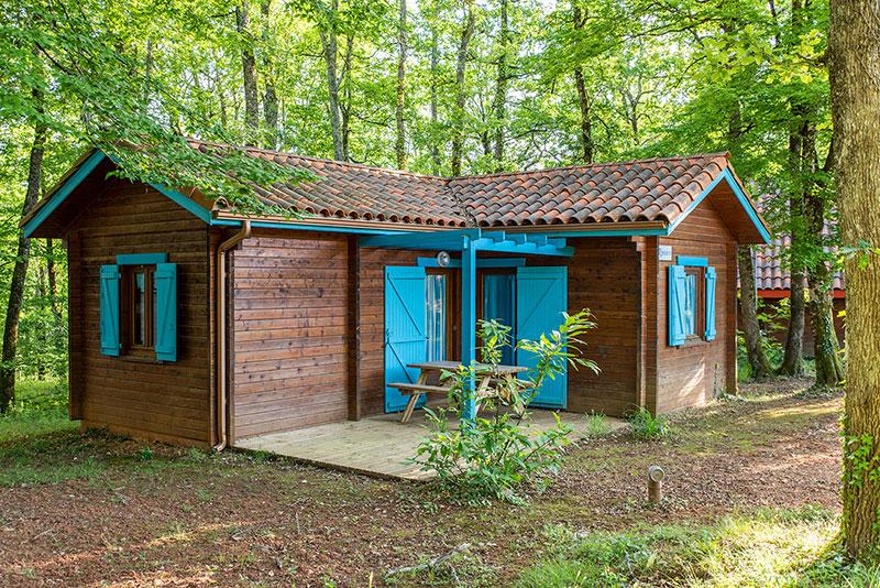 Chalet rental sleeps 6 at the Camping L\'Évasion in Puy-L\'évêque in ...