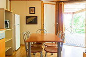 Sarlat chalet's kitchen and dinning-room