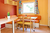 4 persons mobile home's dinning-room