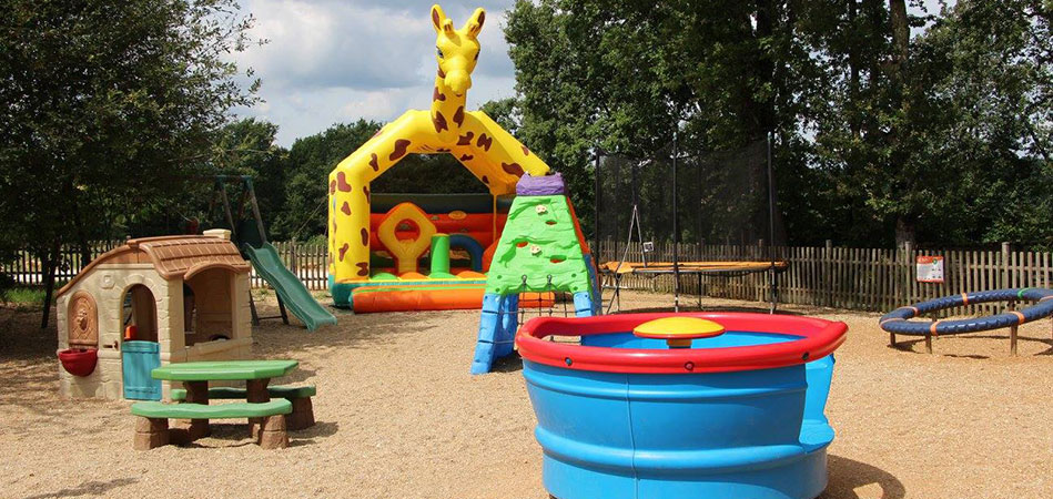 Inflatable structure for the little one at camping l'Évasion located in the Quercy
