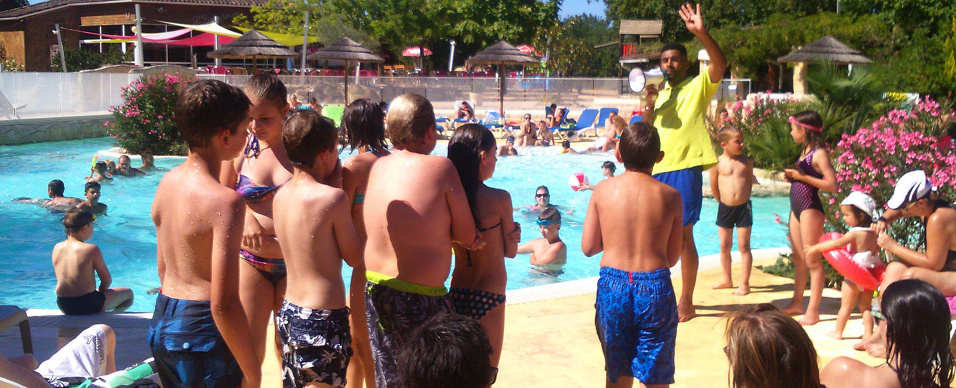 Aquatic area's activities at camping l'Évasion located in the Lot